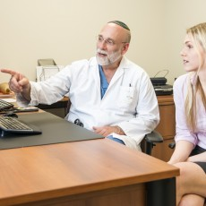 Dr. Mark Eisenberg and research assistant Carolyn Franck have collaborated on a systematic review of existing research into the safety and effectiveness of electronic cigarettes.