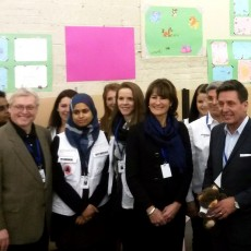 At Montreal's welcome centre for the Syrian refugees, the nurses and social workers of West-Central Montreal Health met with Gaétan Barrette (left), Minister of Health and Social Services; Kathleen Weil (third from left), Minister of Immigration, Diversity and Inclusiveness; Finance Minister Pierre Moreau (fourth from left); and Lucie Charlebois (second from right), Minister for Rehabilitation, Youth Protection, Public Health and Healthy Lifestyles.