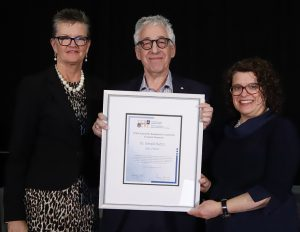 Dr. Gerald Batist receives the CCRA Award for Exceptional Leadership in Cancer Research from Co-Chairs of the awards ceremony, Dr. Cindy Bell (left) of Genome Canada, and Dr. Sara Urowitz of CCRA and the Canadian Partnership Against Cancer.