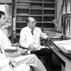 At the JGH, Dr. Max Palayew teaches McGill University medical students.