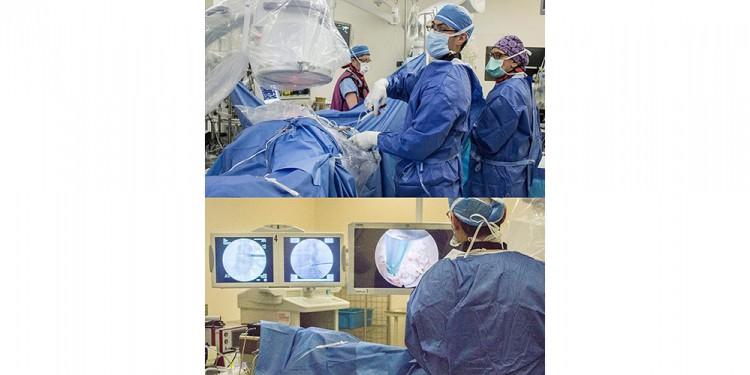Photo composite du Dr Jeff Golan effectuant une endoscopie vertébrale. En haut, il manipule un outil chirurgical ultramince à travers un tube très étroit en métal inséré dans la colonne vertébrale du patient. En bas, le Dr Golan regarde deux écrans projetant deux radiographies de la colonne vertébrale (gauche et centre) et une vidéo diffusant en temps réel l'effet de son minuscule outil sur le tissu rachidien.