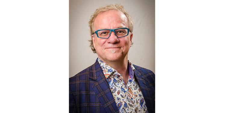 Dr. Stephen Robbins