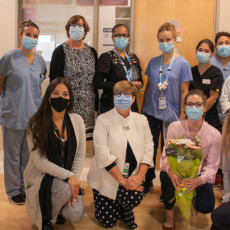 In a brief ceremony at the JGH, Annick Leboeuf (rear, third from left), a Council Member of the Montreal-Laval Branch of the Order of Nurses of Quebec, presented the Close to the Heart Award for Innovation in Nursing to the Outpatient Nursing Oncology team. Holding the award is Mandy Collins (rear, centre), a Nurse Clinician in Outpatient Oncology. Among those joining them were Lucie Tremblay (front, second from left), Director of Nursing; Serge Cloutier (rear, left), Associate Director of Nursing; Erin Cook (front, right), Co-Director of Operations at the Segal Cancer Centre; Kimberly Gartshore (front, second from right), Head Nurse of Outpatient Oncology; and Elisabeth Laughrea (front, left), Chair of the Youth Committee of the Montreal-Laval Branch of the Order of Nurses of Quebec. (Click on the photo to enlarge it.)
